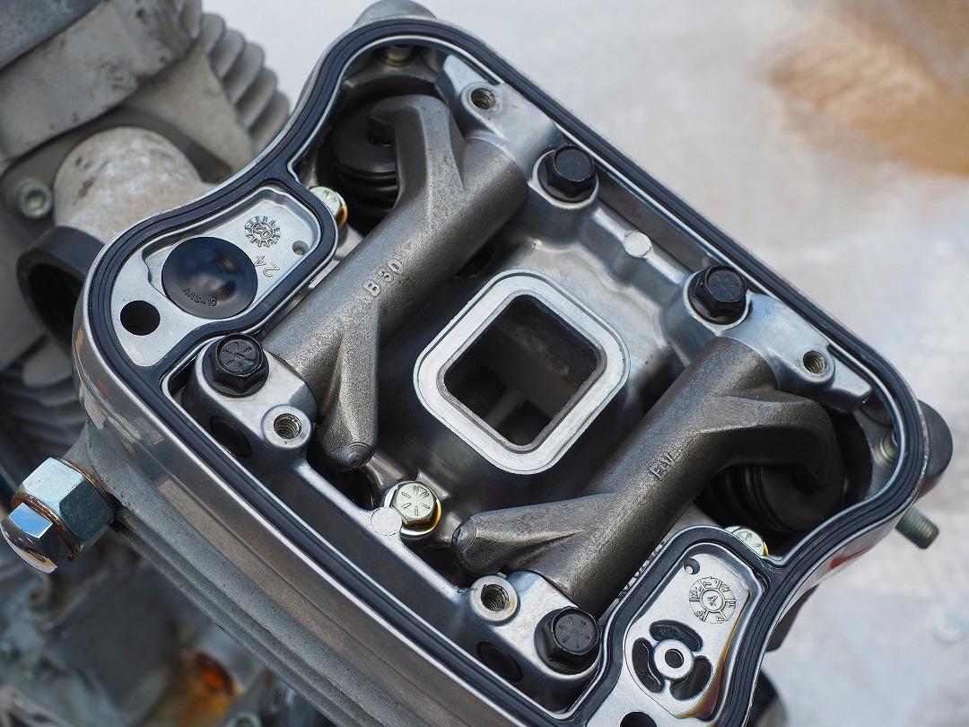 スポーツスターのエンジンを解体