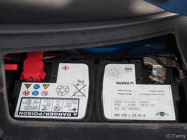 ミニクーパーSの純正バッテリー