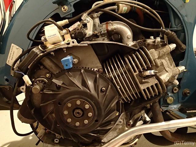 スターデラックス4S 125のエンジン