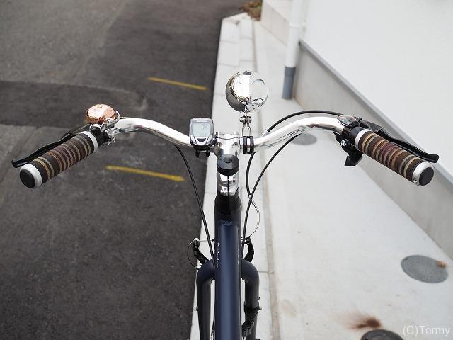 クロスバイクにカモメハンドル