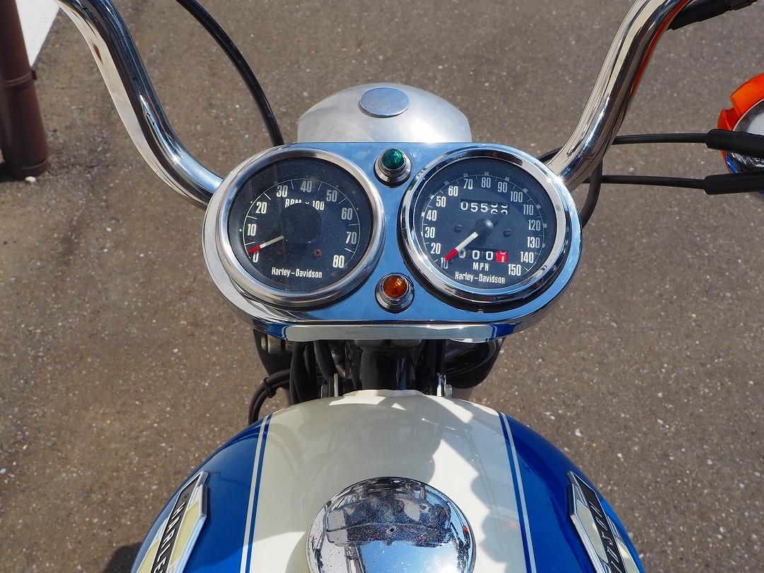 機械式スピード&電気式タコメーターはアイアンスポーツのレプリカを購入